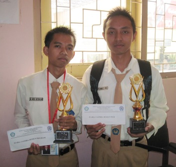 SMANSA SABET 2 JUARA LOMBA KEDIRI IT EDUCATION 2011